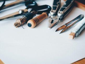 Lederarmband mit Kreuzknoten selber machen - DIY Anleitung